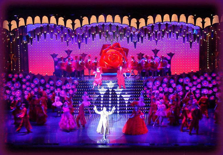 Resultado de imagem para musicais japoneses teatro