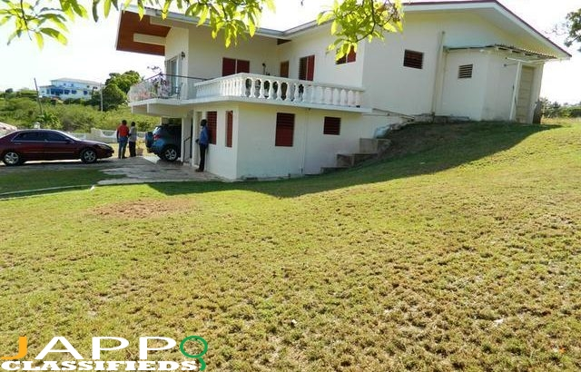 House For Sale in St Catherine.