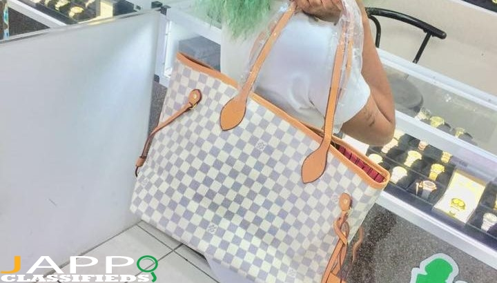 Lv white never-full bag
