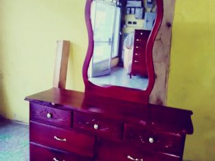 Beautiful 7 Drawer Chest of Drawers For Sale