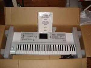 Yamaha Tyros 5 76-Key Arranger Workstation (76-Key