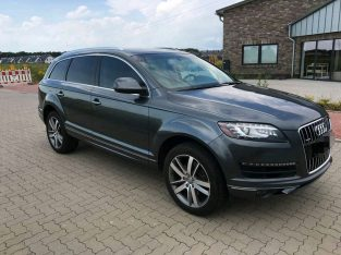 Audi Q7 3.0 vehicle