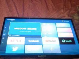 tv 32 blue sonic clean no fault wa remote only use wifi 17000