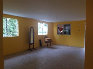 3 BED 2 BATH HOUSE FOR RENT IN QUEENBOROUGH, KINGSTON / ST. ANDREW, JAMAICA