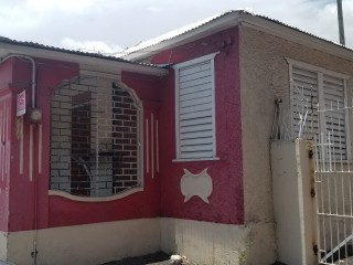 COMMERCIAL BUILDING FOR RENT IN OFF MOLYNES ROAD, KINGSTON / ST. ANDREW, JAMAICA