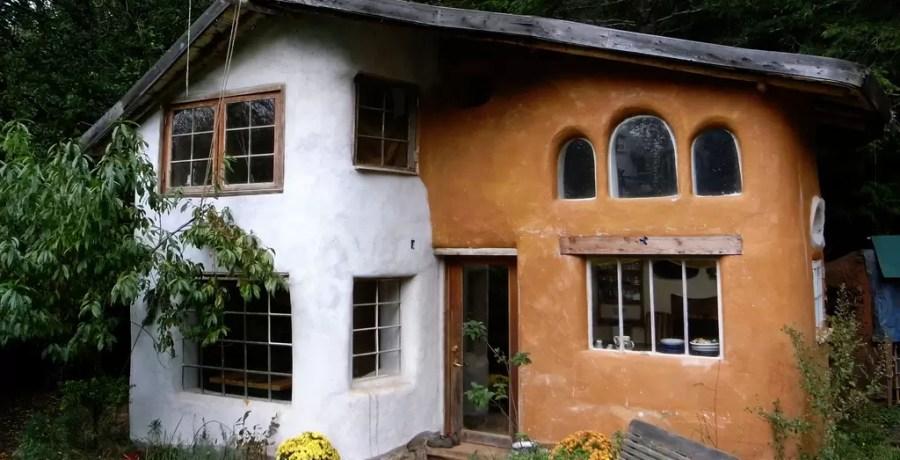 como construir casas gastando pouco
