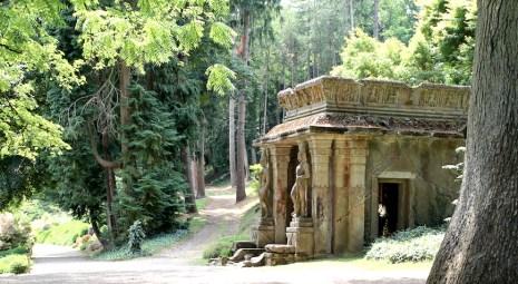 temple parc oriental de maulévrier