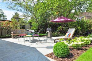 Mobilier et objets de décoration de jardin
