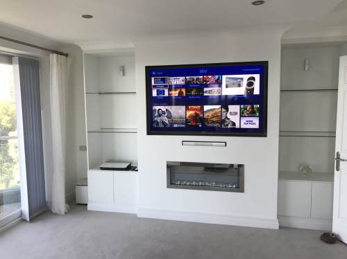 small resolution of the tv had the ability to access the internet for catch up services access to sky box in hd located in another part of the house and freeview hd services