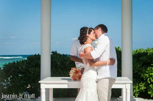 Samantha & Sebastien's Calm and Close-Knit Destination Wedding at Grand Palladium Riviera Resort & Spa