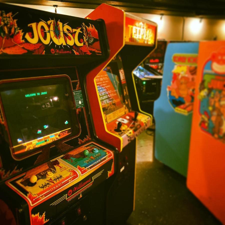 Pin Up Arcade