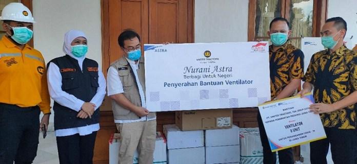 United Tractors Serahkan Bantuan Ventilator senilai 3,6 milyar Ke Pemprov Jatim