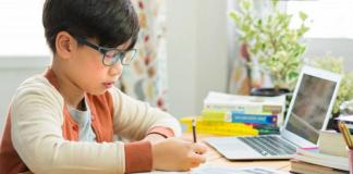 Orang Tua Wajib Menjaga Kesehatan Mata Anak Selama Belajar Online. Ini Caranya