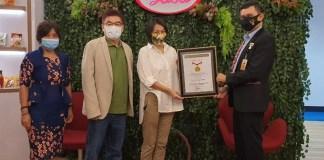 Sasa Care Traveler Catat Rekor MURI Bagikan Masker Terbanyak Dalam Satu Hari