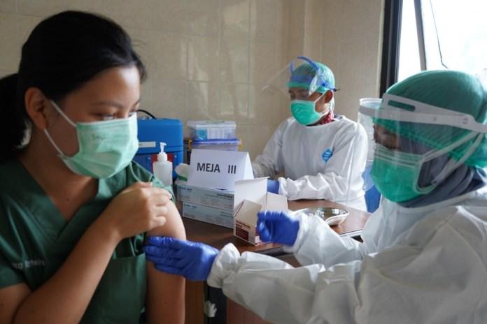 Lebih dari 500 Ribu Tenaga Kesehatan Telah Mengikuti Vaksinasi Covid-19