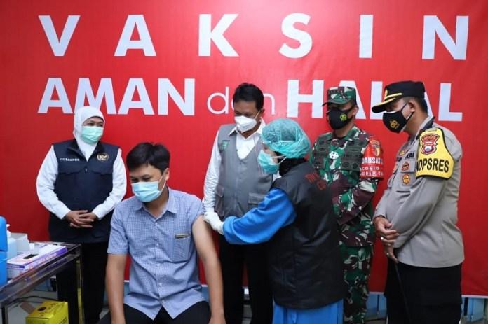 Vaksinasi Tahap Pertama di 10 Daerah di Jawa Timur Sudah 100 Persen