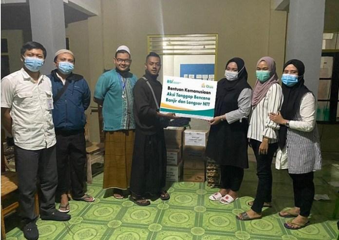 Bank Syariah Indonesia bersama Laznas BSMU Salurkan Bantuan untuk Korban Bencana Alam di NTT
