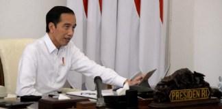 Presiden Jokowi Minta Masyarakat Lebih Hati-Hati Saat Buka Masker