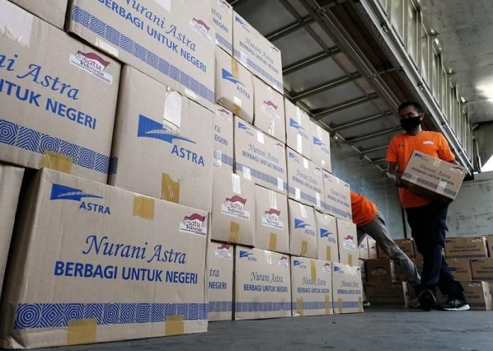 Astra Serahkan Bantuan Tahap Ketujuh untuk Masyarakat Terdampak Pandemi COVID-19 Sebesar Rp 30 Miliar