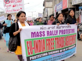 eu-india-free-trade-agreement-protest-large