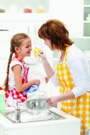 little-girl-mother-having-fun-washing-dishes-foam-together-37914415