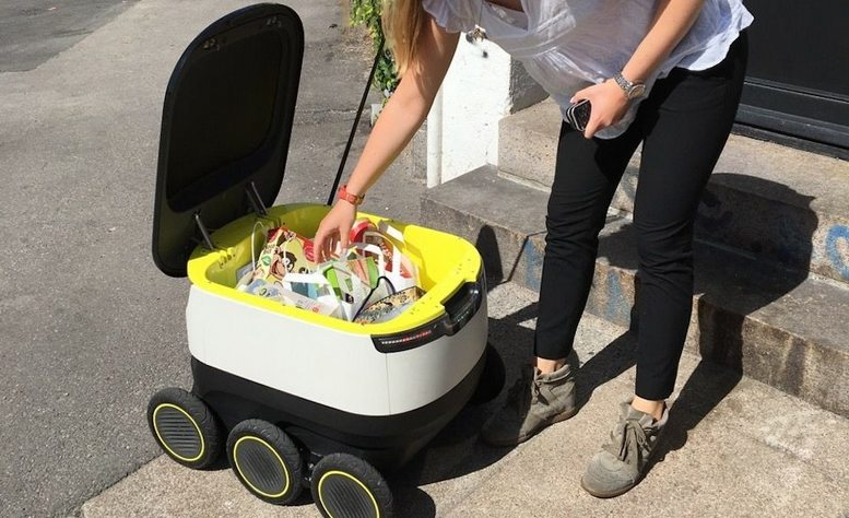 starship-technologies-delivery-robot