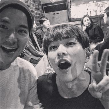 Cho Jesper bersama Onew