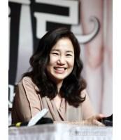 Kim Eum Sook penulis Descendants of the Sun