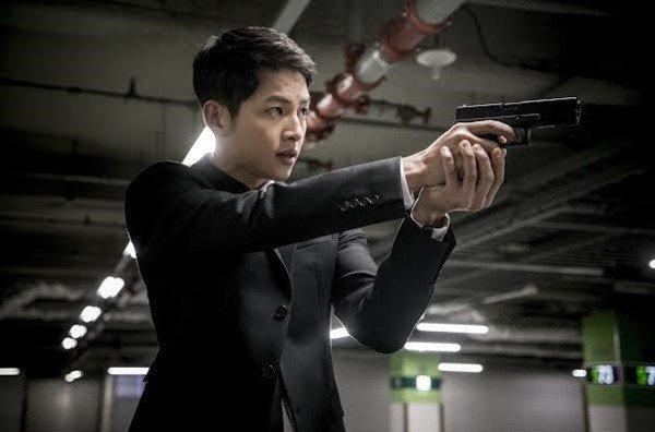 Aksi Kapten Yoo Sijin Descendants of the Sun