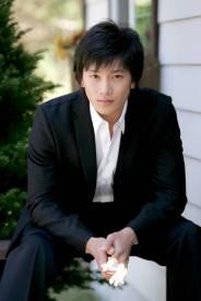 Foto Terbaru Ji Sung