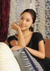 Senyum Manis Hwang Jung Eum