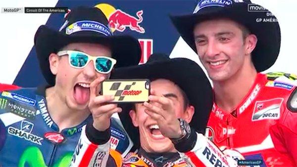 iPhone untuk Selfie Pembalap MotoGP