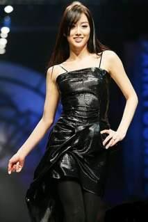 Aksi Panggung Jeon Hye Bin