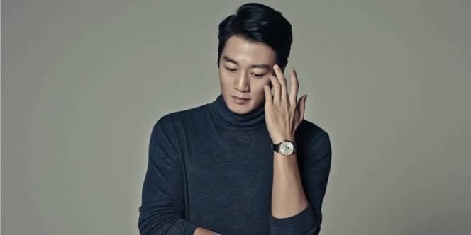 Kim Rae Won still look good when thinking