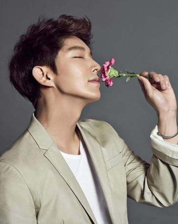 Lee Joon Ki's Pose with a Flower