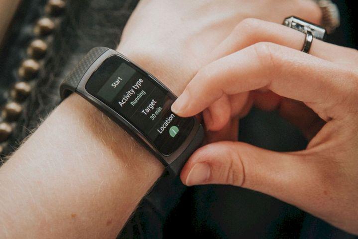 Smartband Yang Cocok Jadi Teman Berolahraga