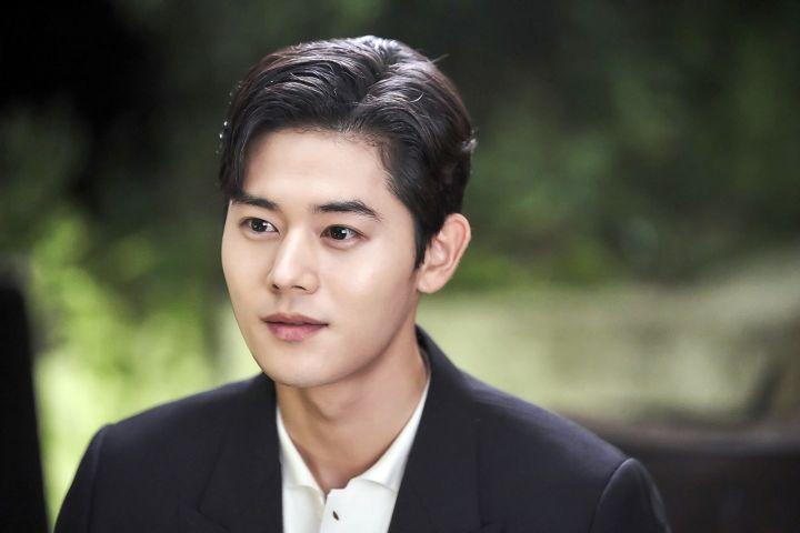 Kim Dong Jun Sebagai On Jun Su