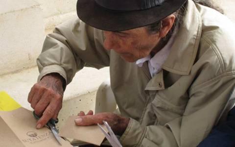 Artesanos que tocan la fibra con su enriquecido canastear