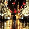 "Comparte Síguenos Feliz Navidad Fuente: Reuters. Ognen Teofilovski. ""Christmas lights in Skopje, Macedonia""."