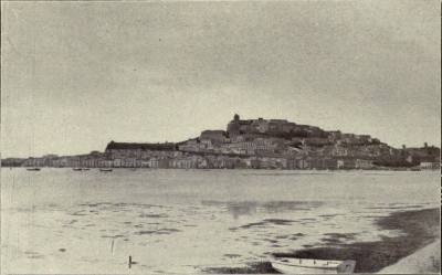 Ciudad de Ibiza. With a camera in Majorca - Margaret D'Este (1907)