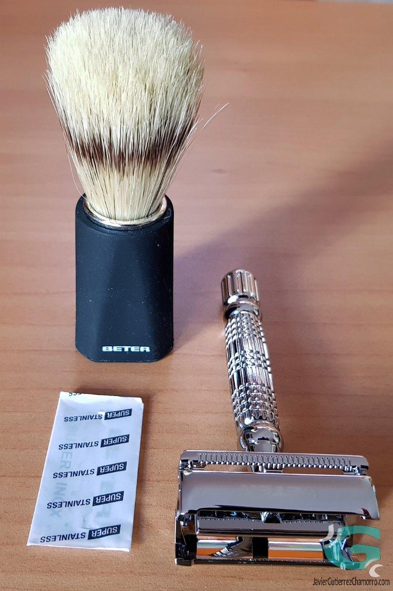 Beter maquinilla y brocha de afeitar