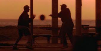 """""""Los Blancos no la Saben Meter"""" (""""White Men Can't Jump"""", 1992)"""