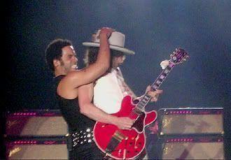 Bromeando. Lenny Kravitz en León (16 de junio de 2005)