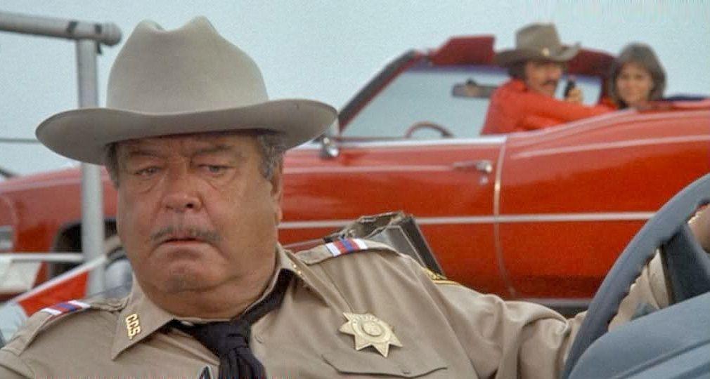 El sheriff Bufford T. Justice (Jackie Gleason) en
