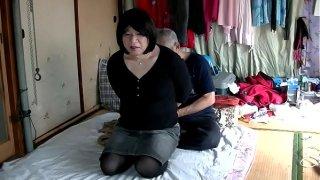 Shemale Jyosouko Fujiko's erotic panties tied with rope and bamboo