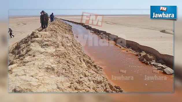 وزير الدفاع : لا جدار عازل على الحدود مع ليبيا