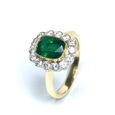 18ct Yellow Gold Emerald & Diamond Ring