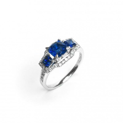 18ct White Gold Blue Sapphire & Diamond Ring