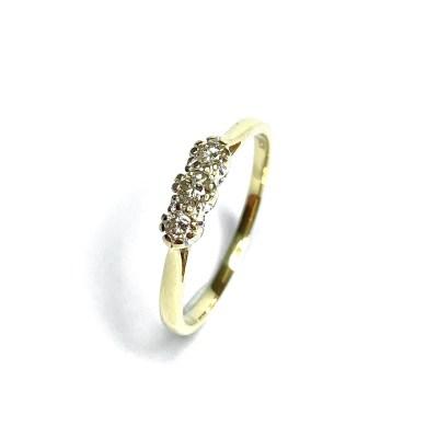 Second Hand 18ct Yellow Gold 3 Stone Diamond Ring