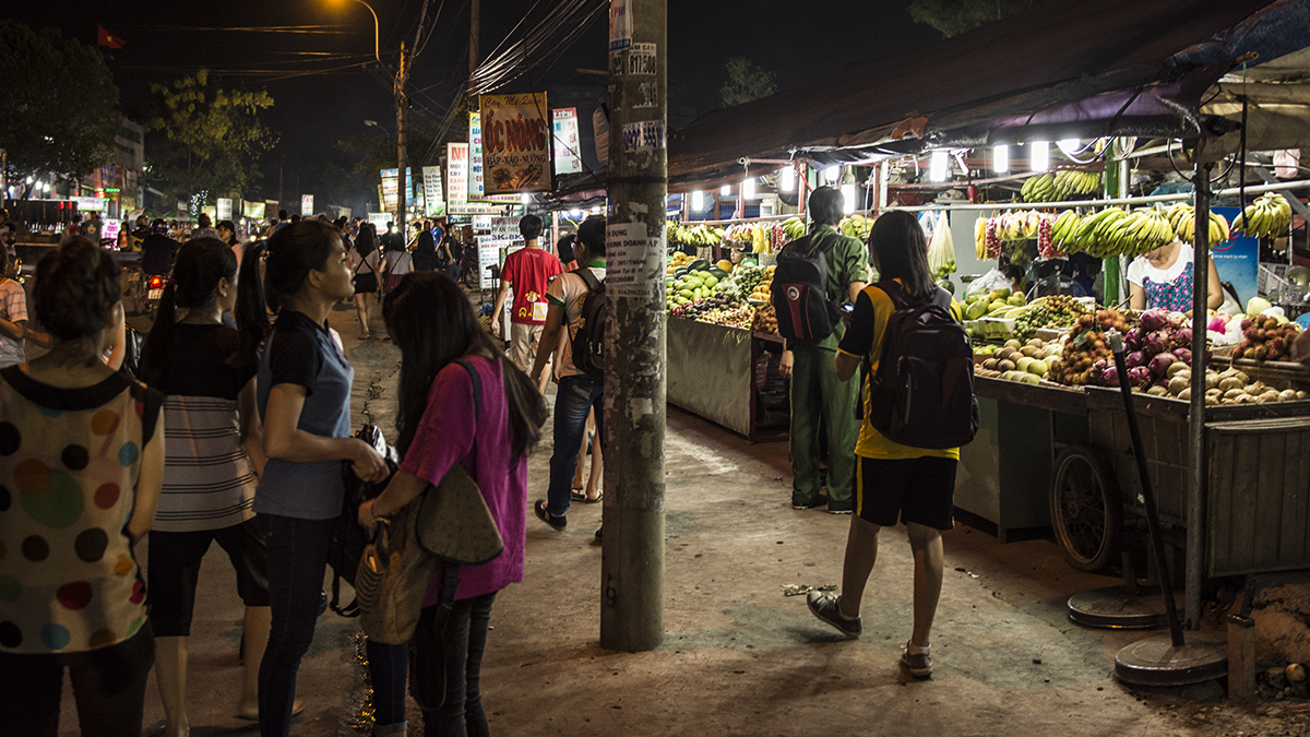 Taking a stroll around Vietnam University market in Thu Duc District, Saigon.
